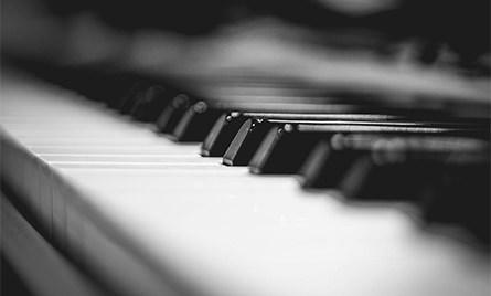グランドピアノ・エレクトリックピアノ